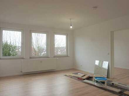 Sehr schöne 1,5 Zimmer-Wohnung mit großer Dachterrasse in Davenstedt