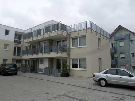 Neuwertige 2-Zimmer-Wohnung mit Balkon in Neckartenzlingen