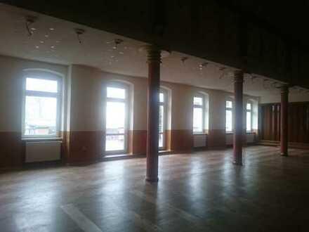 Kulturhaus m. 1 gr. Saalm.Bühne, Terrasse,2 kl. Säle, Garderoben sucht neuen Betreiber!