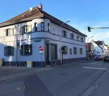 Top sanierter Altbau Laden / Wohn-Büro etc. / Sehr Zentrale Lage
