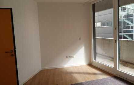 Semesterbeginn, und noch kein Zimmer? Moderne Wohnung direkt im Zentrum