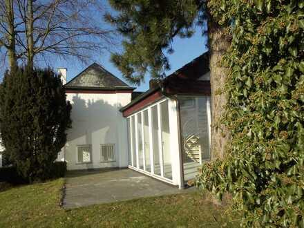 Lichtdurchflutete Wohnung-versetzte Ebenen-unverbaubarer Weitblick in Herdecke/Kermelberg mit Garten