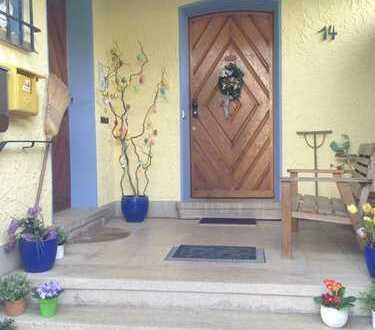 Möblierte 2-Zimmer-Maisonette-Wohnung mit Balkon und EBK in Meckesheim