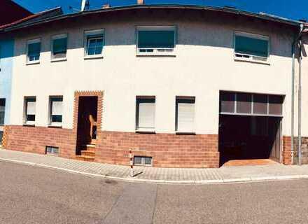 Gepflegtes Mehrfamilienhaus in Plankstadt