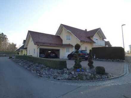 Neuwertiges Luxus-Einfamilienhaus ca. 8 km nördlich von Memmingen
