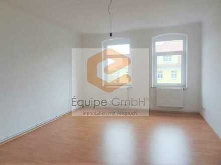 Frisch sanierte 5-Zimmer Wohnung mit Wannen- & Duschbad, ASR und vielem mehr!