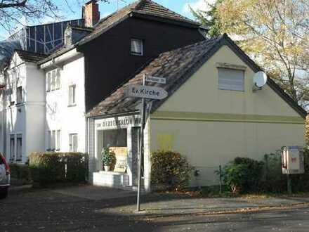 Sanierungsobjekt mit Ladenlokal auf Eckgrundstück in Köln-Raderthal
