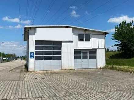 Werkstatt mit ca. 40 Außenstellplätzen in guter Lage zu vermieten!