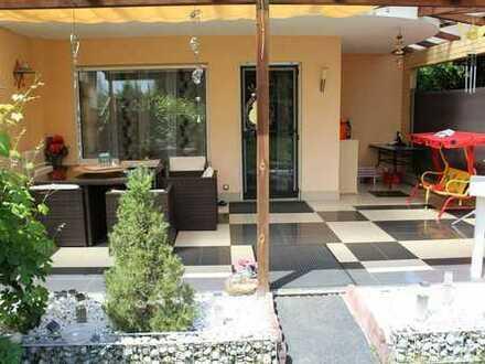 Reduzierte Maklercourtage - top gepflegte Doppelhaushälfte mit schönem Garten und Garage