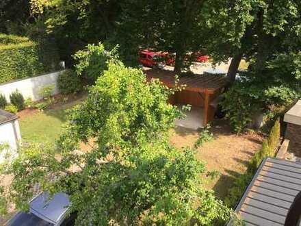 Sehr ruhiges und sonniges Baugrundstück für ein Stadhaus mit ca. 125 qm Wohnfläche