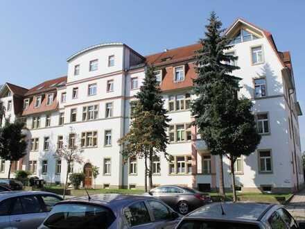 (16/3) WG-geeignete 2-Raum-Wohnung (ca. 60 m²), Balkon, Hochparterre