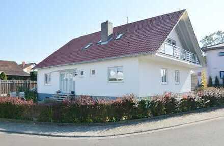 Top gepflegtes Zweifamilienhaus mit Garage und Garten in Meckenheim
