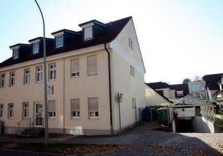 Sonnige Maisonette Wohnung in zentraler Lage - 2 Balkone - 2 Bäder - EBK - TG