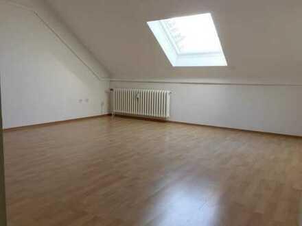 Ab sofort mit Traumblick inklusive! 2 Zimmerwohnung im Dachgeschoss