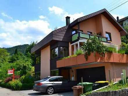 Vermietetes Einfamilienhaus mit Einliegerwohnung in ruhiger Lage von Forbach