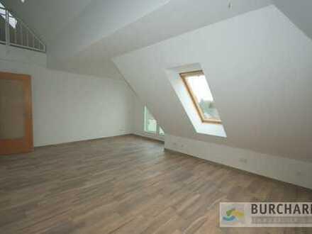 BERGFELDE - Wertzuwachs dank Staffelmiete vermietete Dachgeschoss-Maisonette-Wohnung