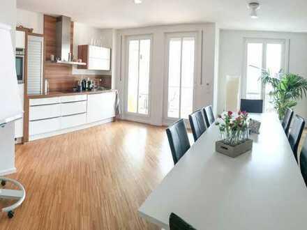 Befristete Vermietung: Neuwertige 2-Raum-Wohnung mit Balkon und EBK in München-Nymphenburg