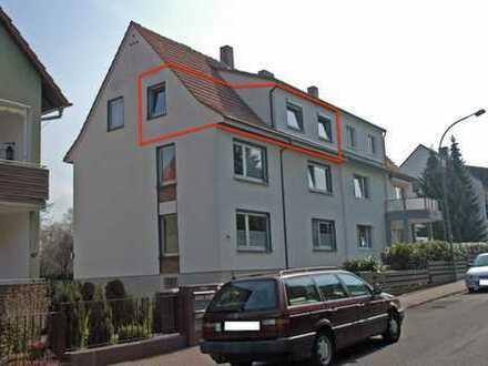 Freundliche 3-Zimmer-DG-Wohnung mit Balkon in Bad Vilbel