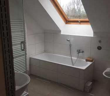 Schöne 3 Zimmer Wohnung- neu saniert