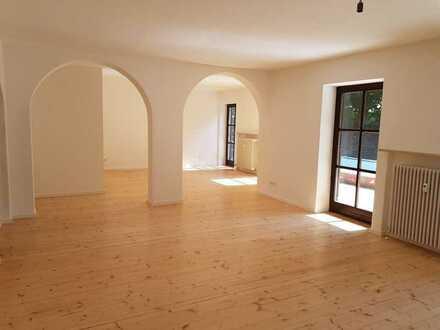 Ruhig gelegene, geräumige drei Zimmer Wohnung mit großem Garten in Rottal-Inn (Kreis), Unterdietfurt