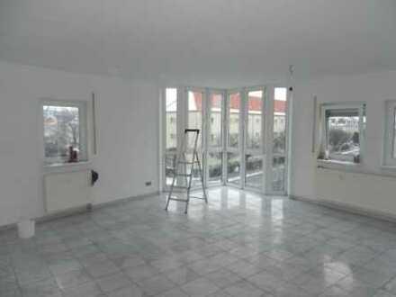 schnittige 3-Raum-Wohnung mit riesigem Wohnzimmer