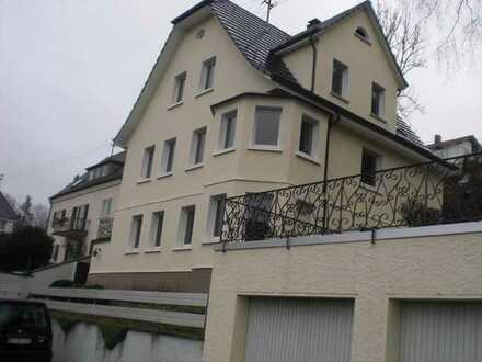 Schönes Haus mit acht Zimmern in Albstadt-Tailfingen in ruhiger Wohngegend, stadtnah. Provisionsfrei