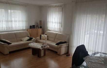 Exklusive, modernisierte 3-Zimmer-Wohnung mit Balkon und Einbauküche in Stuttgart Zuffenhausen
