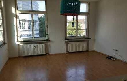 Gut geschnittenes 2ZKB Appartment, zentral Stellplatz mögl.
