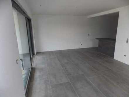 Etagenwohnung mit zwei Balkonen im neu erbauten KfW-Effizienzhaus 55