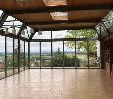 Extravagantes, frei stehendes Haus mit atemberaubendem Ausblick!