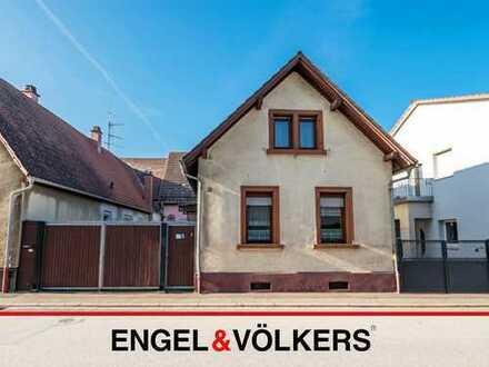 Haus mit großer Ausbaureserve in Bahnhofsnähe!