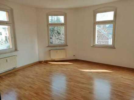Helle, gut geschnittene 3 ZKB Wohnung
