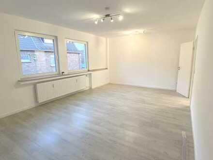 Großzügige, helle 2-Zimmer-Wohnung mit Balkon und EBK in Frechen
