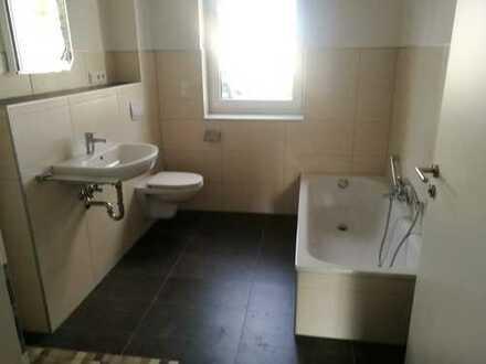 sanierte 5-Zimmer-Erdgeschosswohnung mit Terrasse in Bad Driburg, Aufzug