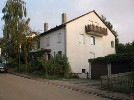 Freundliche und gepflegte 8-Zimmer-Doppelhaushälfte zur Mietee in Wertingen, Wertingen