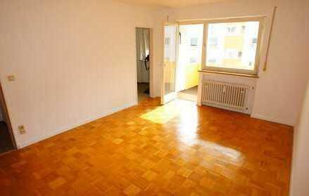 *Mitten in Königsbrunn: Tolle Wohnung mit Balkon, ideal auch für Studenten*