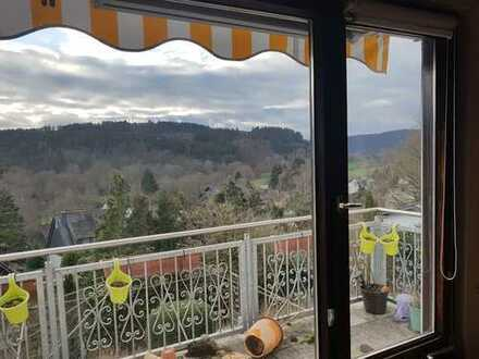 Günstige 4-Zimmer-Wohnung mit Balkon in Hövels