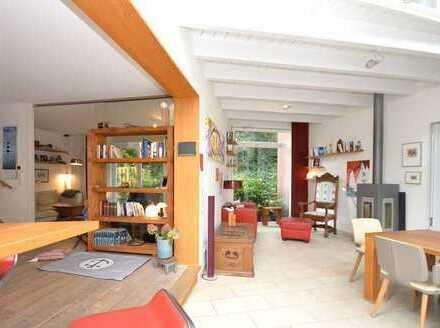 Idylle Sülldorf: 2 Einfamilienhäuser, modern, 6+4 Zimmer, 2 Terrassen, herrlicher Garten u. Carport!