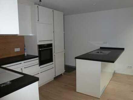 Erstbezug: schöne 2-Zimmer-Wohnung mit Einbauküche und Balkon in Holzgerlingen