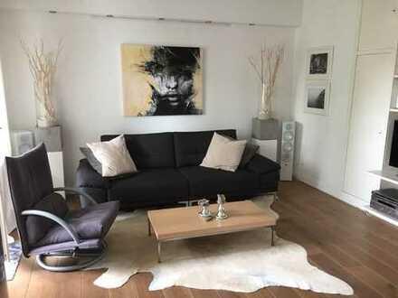 Stilvolle 2-Zimmer-Wohnung mit Balkon und Einbauküche in Lindenthal, Köln