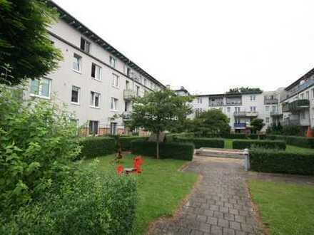 2-Zimmer-Wohnung in Hamburg-Eidelstedt mit Balkon und Dachterrasse