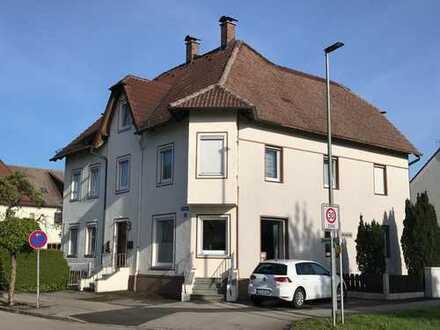 Großzügige 3 ZKB-Erdgeschoss-Mietwohnung mit eigenem schönem Gartenanteil in Türkheim Ortsrandlage