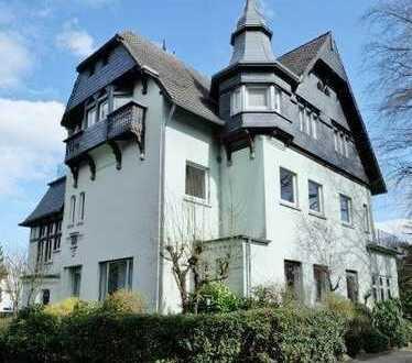 Gut gelegene Wohnung in Stadt-Villa am Aachener Wald