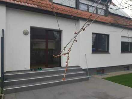 Stilvolle 3-Zimmer-Wohnung mit Terasse in Augsburg-Lechhausen