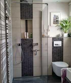 3 – Zi - Wohnung in bester Lage - 70m² exklusive Ausstattung - von Privat