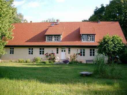 Romantische Wohnung auf idyllischem Grundstück in der Uckermark