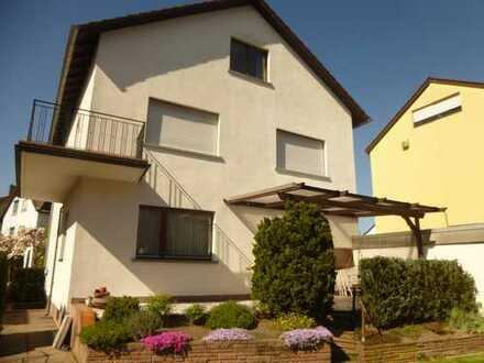 Helle 3-ZKB-Wohnung mit Balkon gut gelegen. Folgevermietung nach Grundsanierung 2016