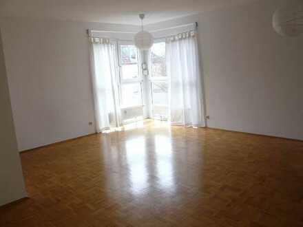 Schöne helle 2-Zi. Wohnung
