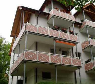 Hübsche, kleine Wohnung in gepflegter Wohnanlage mit Balkon