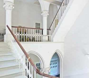 Denkmalgeschützte Schlosswohnung verteilt auf 4-Zimmern zu vermieten